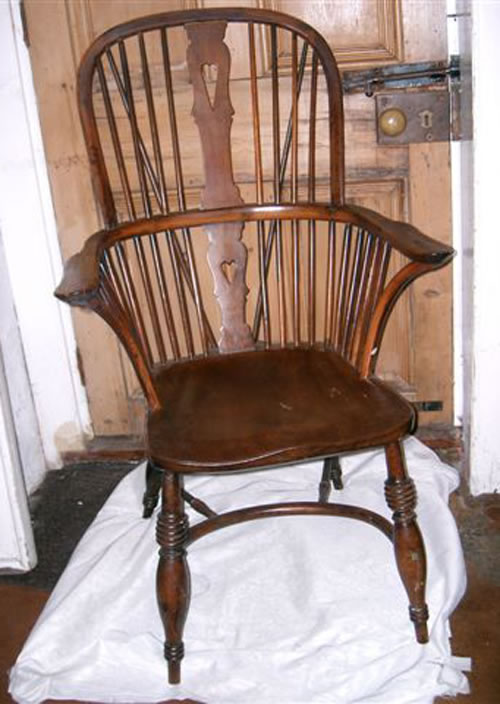 For Sale - A very early Windsor chair c1780/1800 in yew and elm - - Antique Windsor Chairs Value Antique Furniture